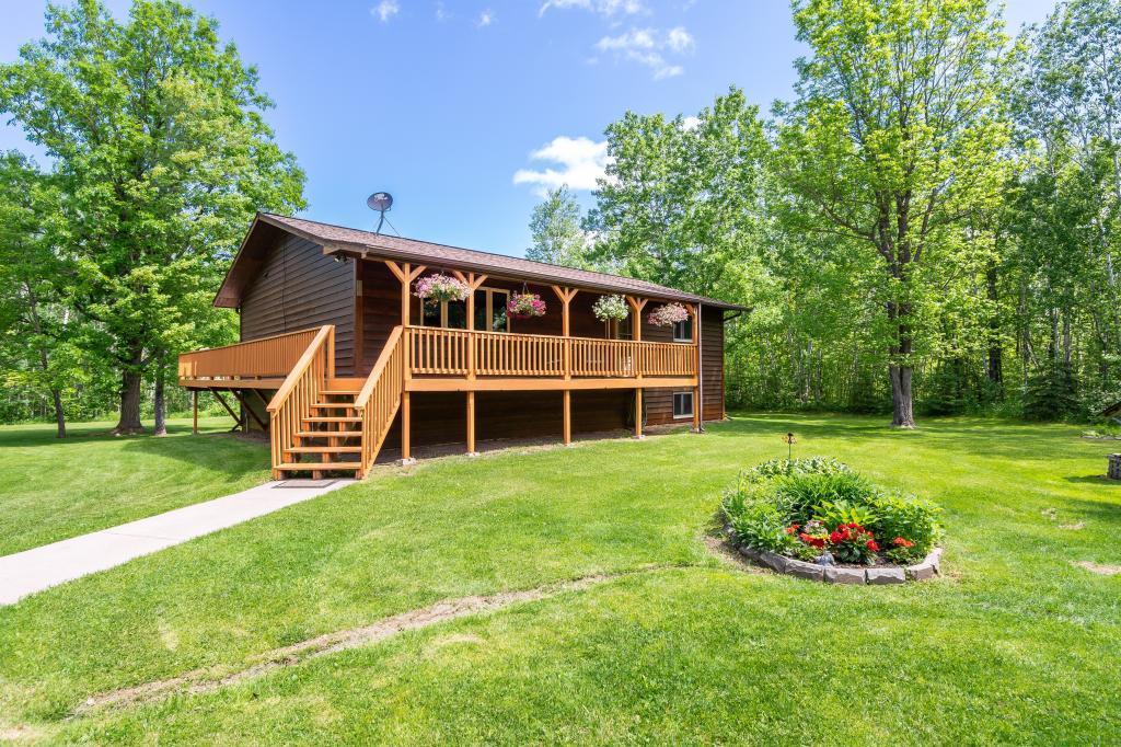 54864 Real Estate Listings Main Image