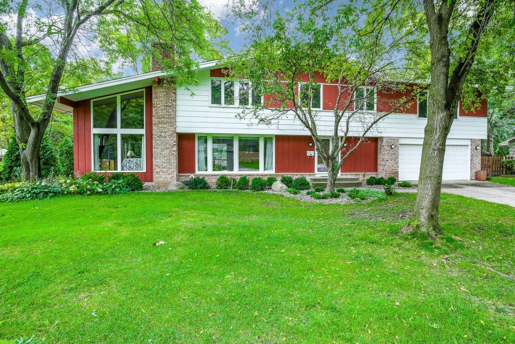 1570 Oregon N Property Photo - Golden Valley, MN real estate listing