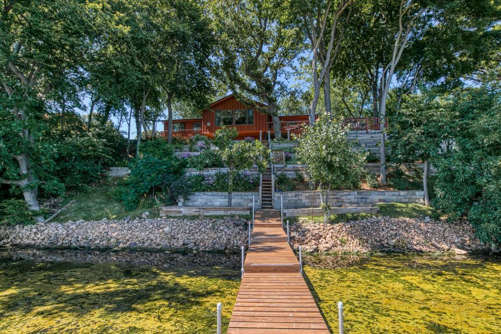 7435 Shoreline Property Photo - Waconia, MN real estate listing