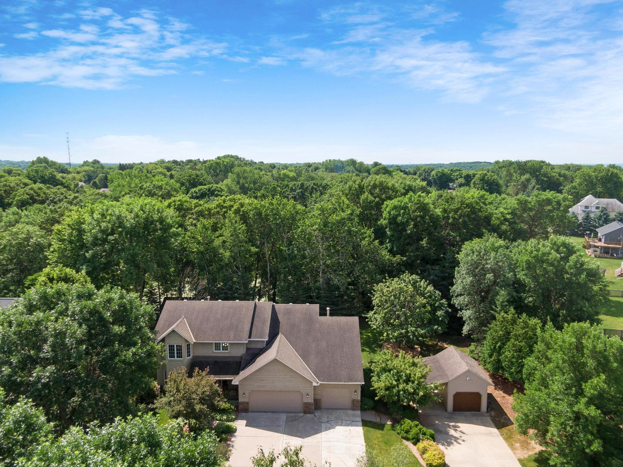 2512 Schaller E Property Photo - Maplewood, MN real estate listing