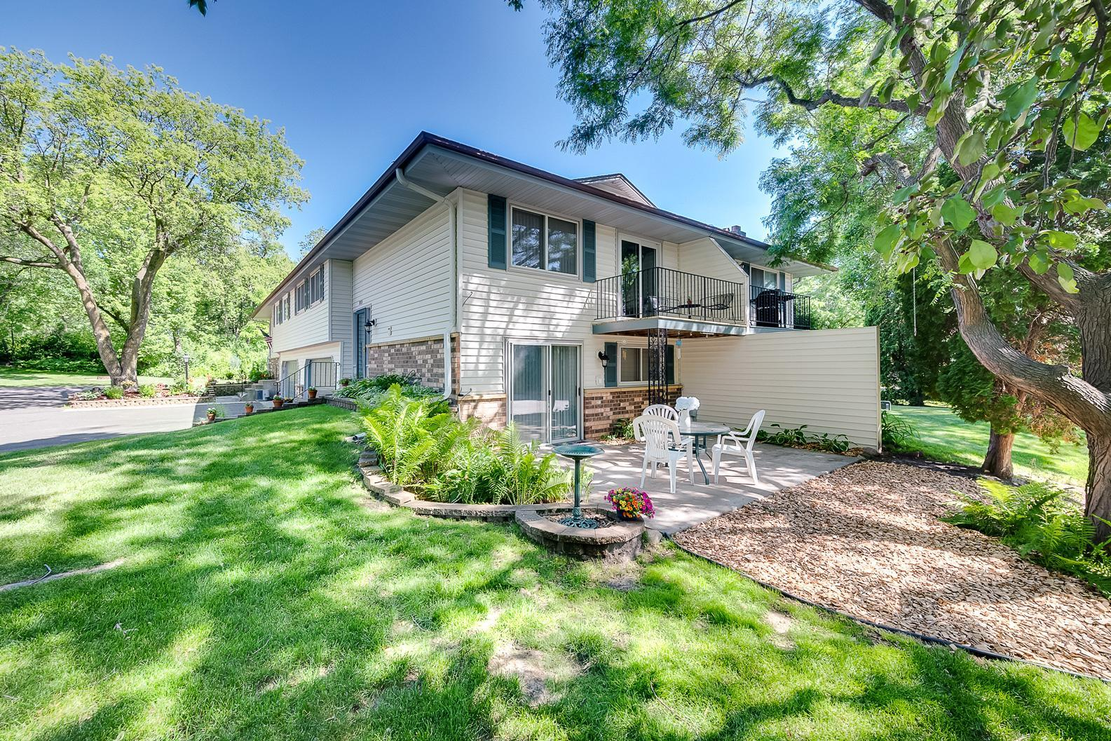 3713 Granada Court N Property Photo - Oakdale, MN real estate listing