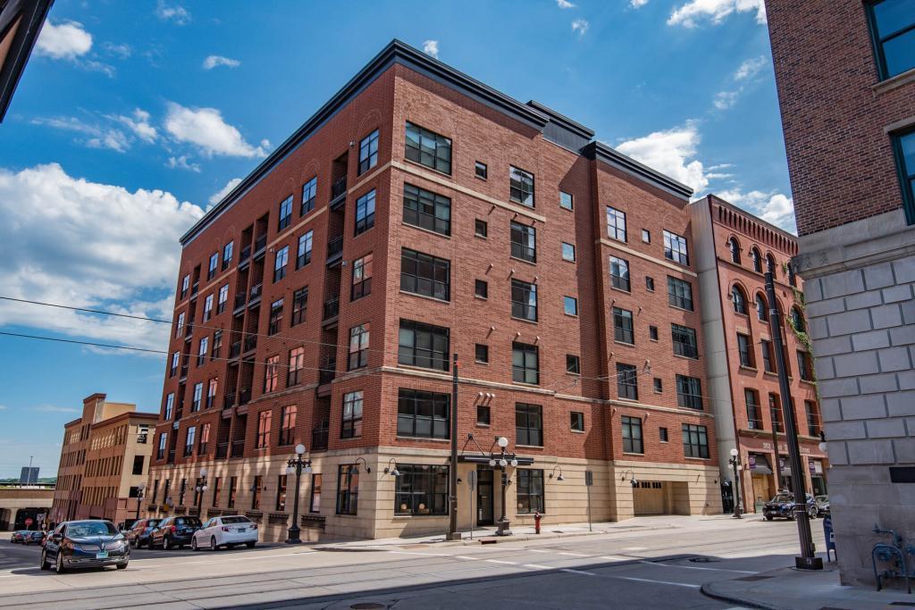 270 4th Street E #302 Property Photo - Saint Paul, MN real estate listing