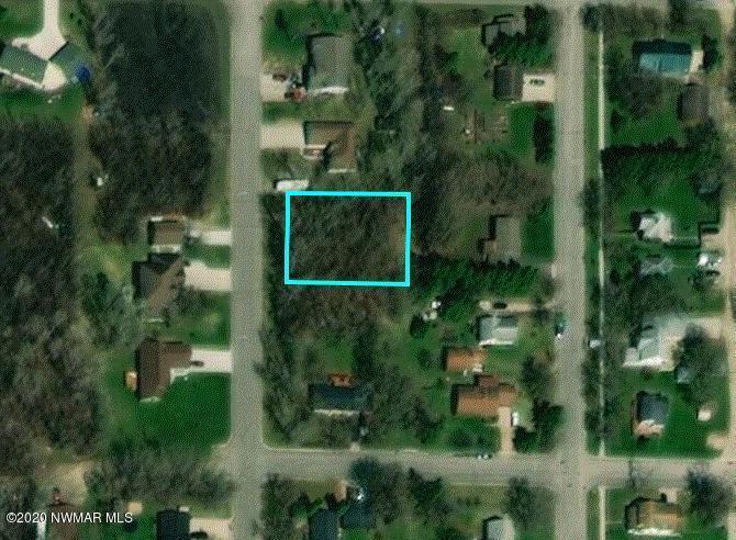 Minnesota Avenue NE Property Photo - Warroad, MN real estate listing
