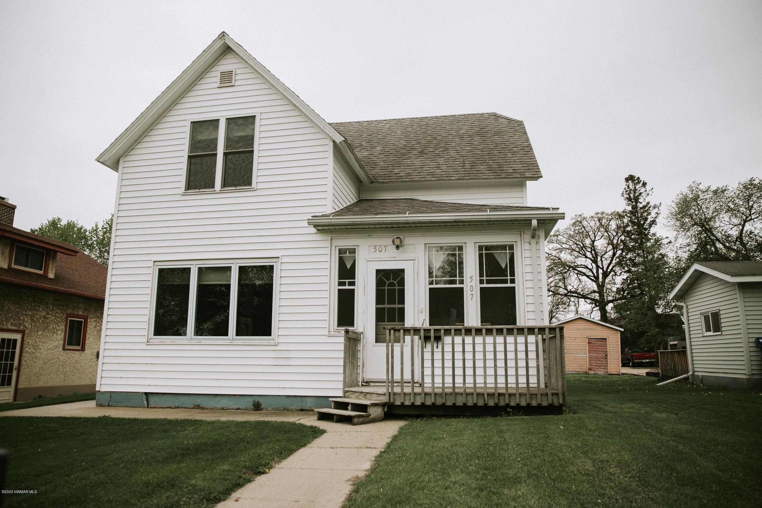 507 Stuart Property Photo - Crookston, MN real estate listing