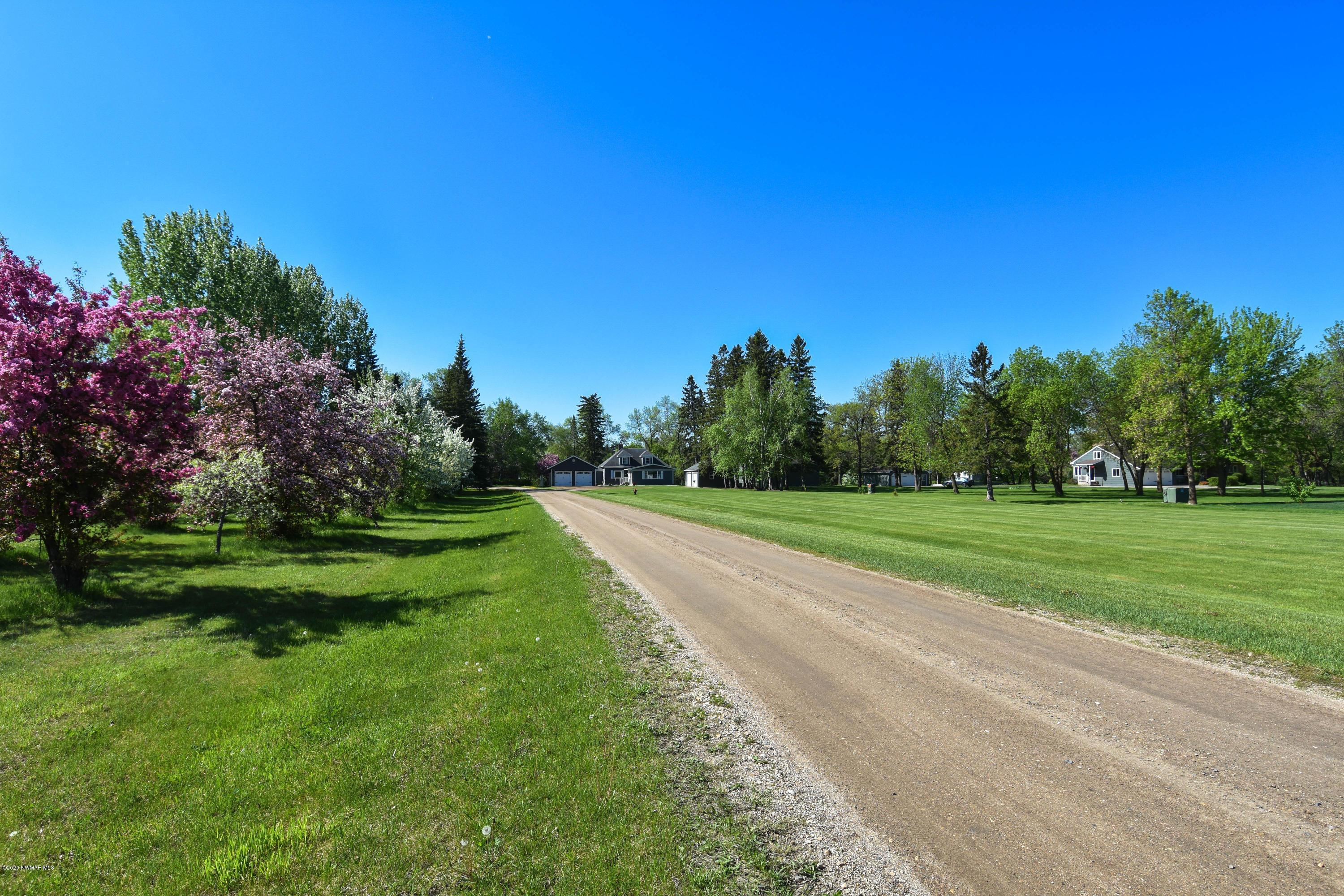 1510 Cartway Property Photo - Thief River Falls, MN real estate listing