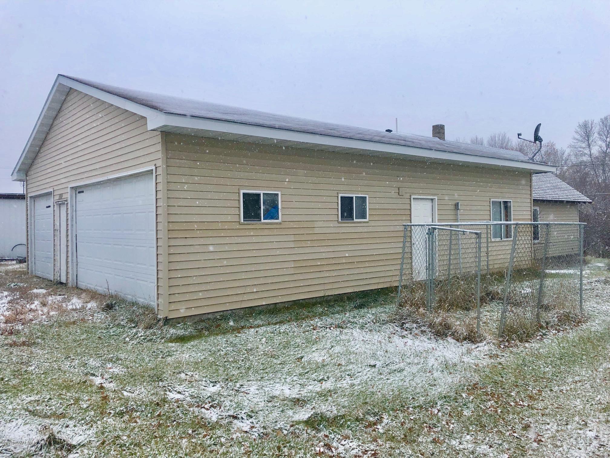 109 Rocket Property Photo - Badger, MN real estate listing