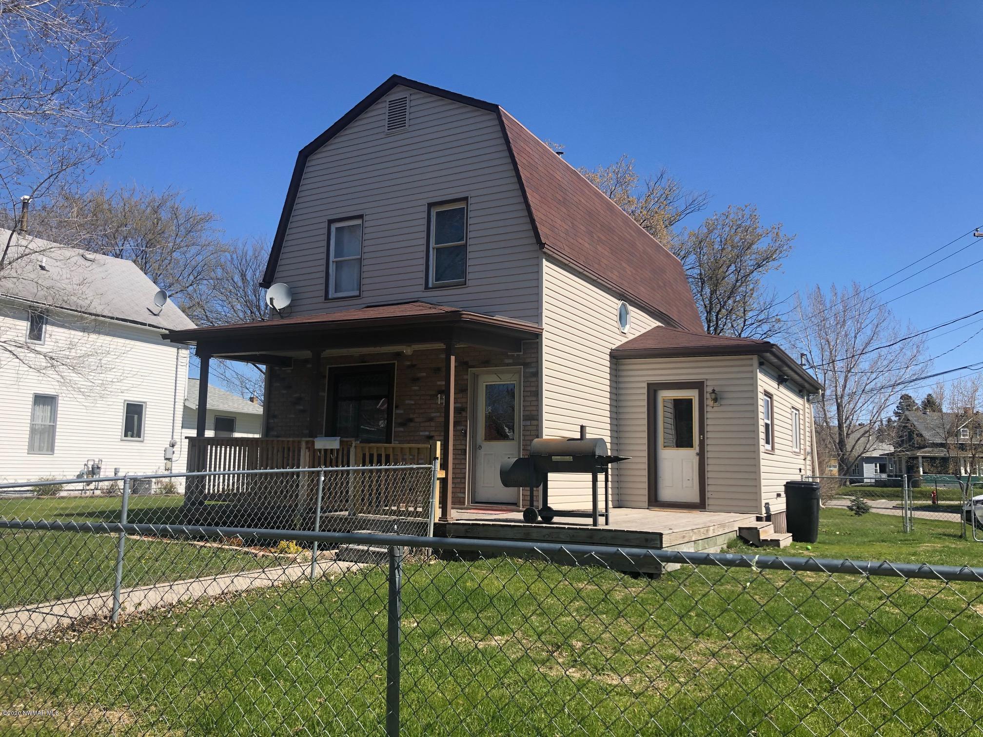 115 9th Property Photo - Crookston, MN real estate listing