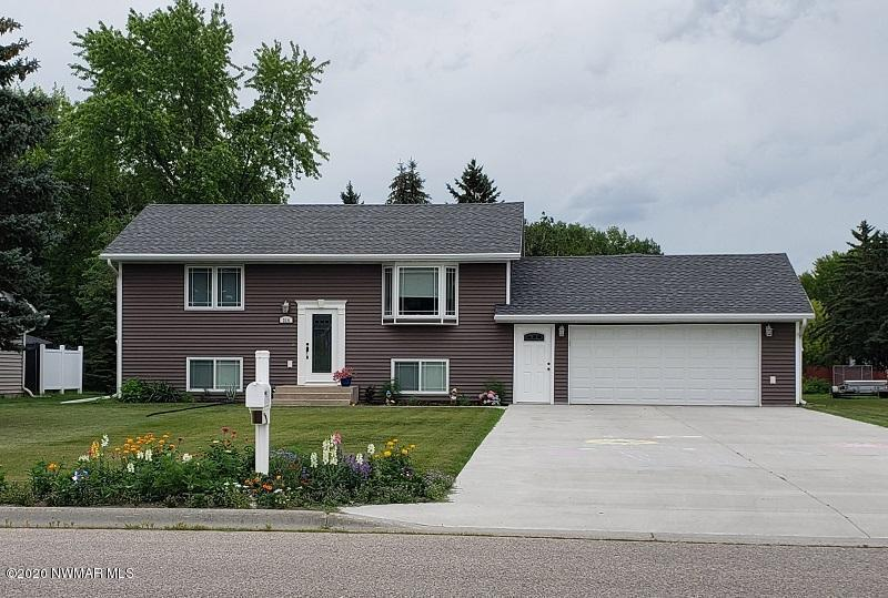 314 Sherwood Property Photo - Thief River Falls, MN real estate listing