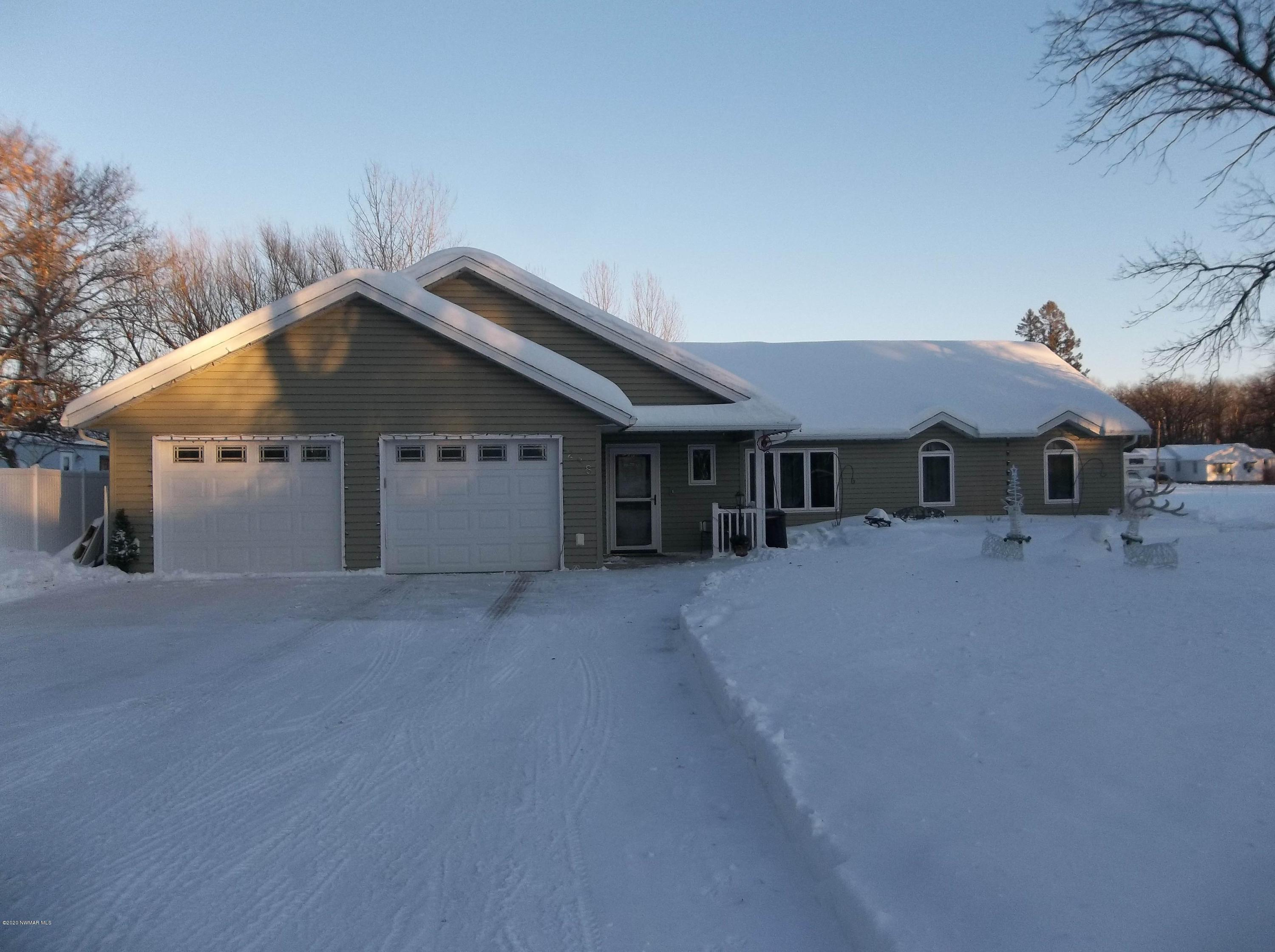 238 4th Property Photo - Newfolden, MN real estate listing