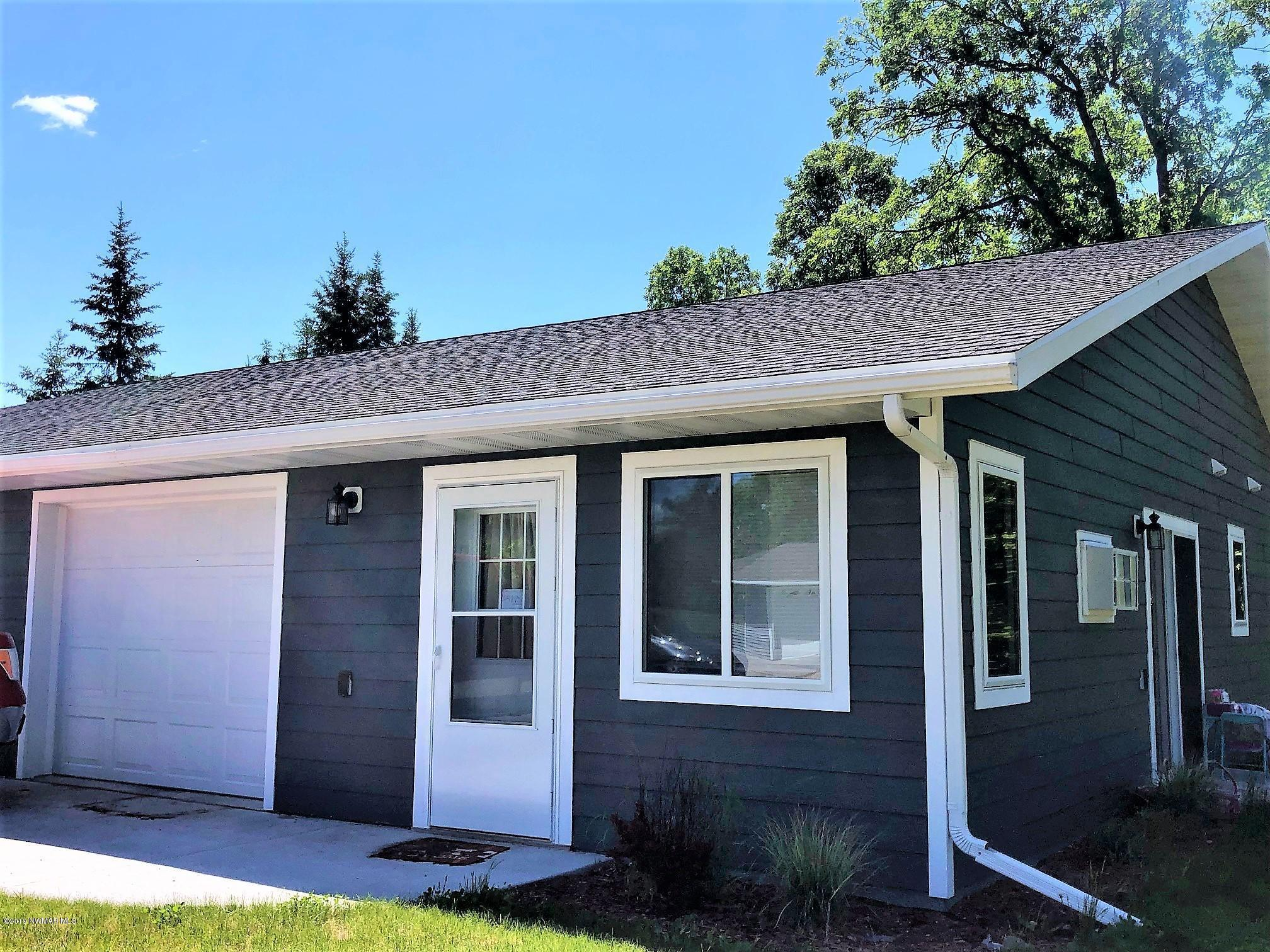204 West Poplar Unit B Property Photo - Badger, MN real estate listing