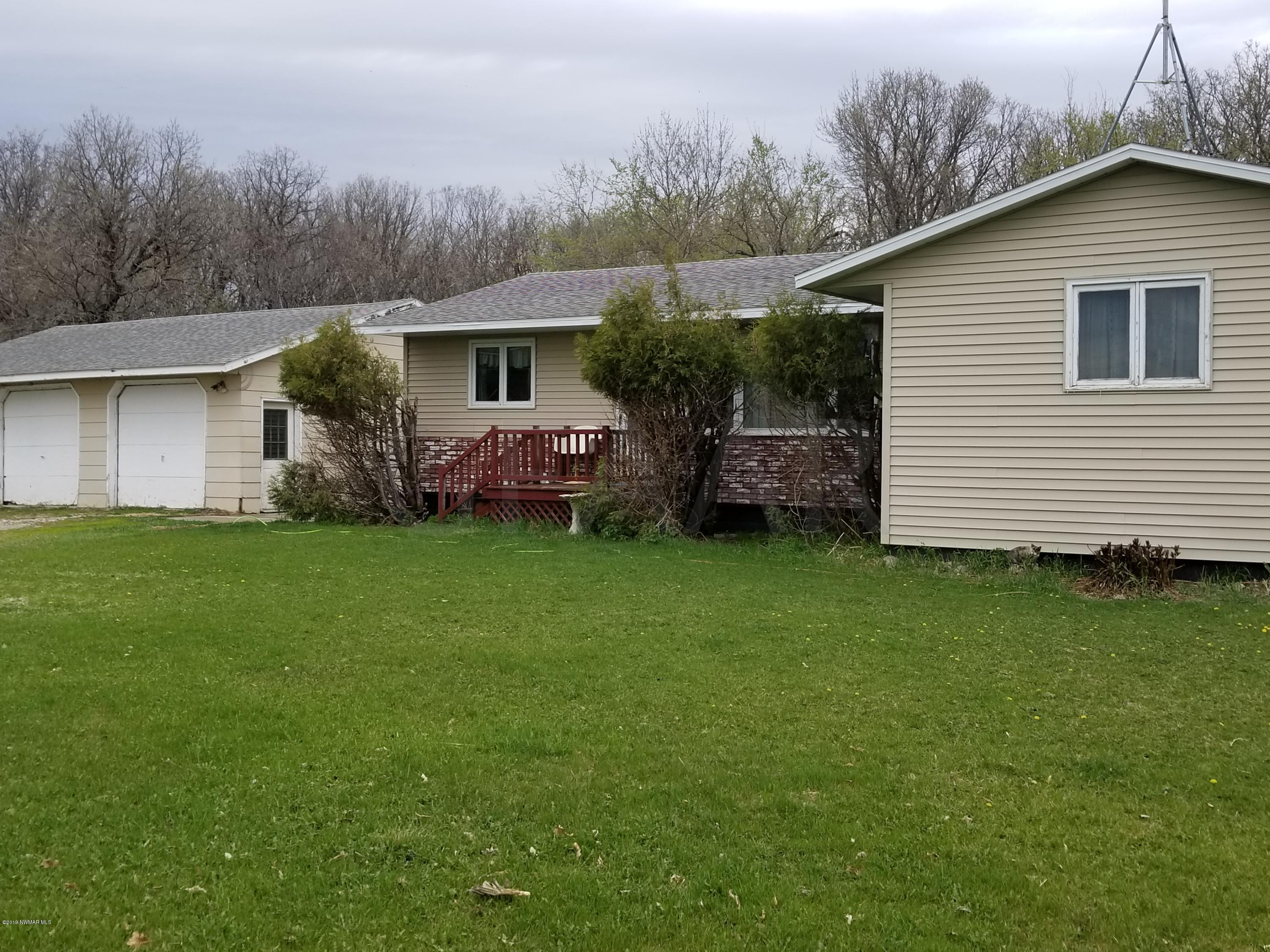 2726 210th N Property Photo - Hallock, MN real estate listing