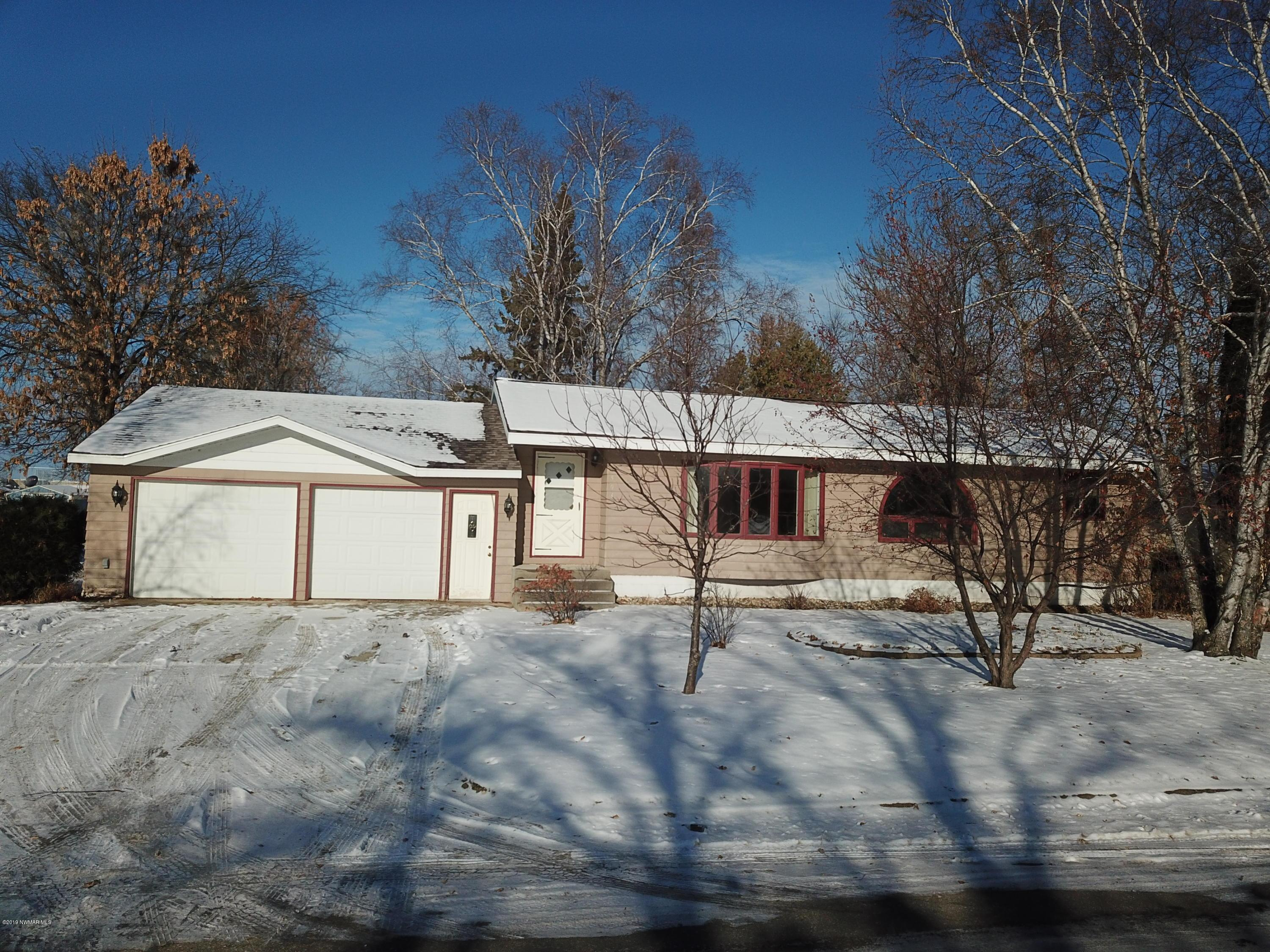 503 Lake NW Property Photo - Warroad, MN real estate listing
