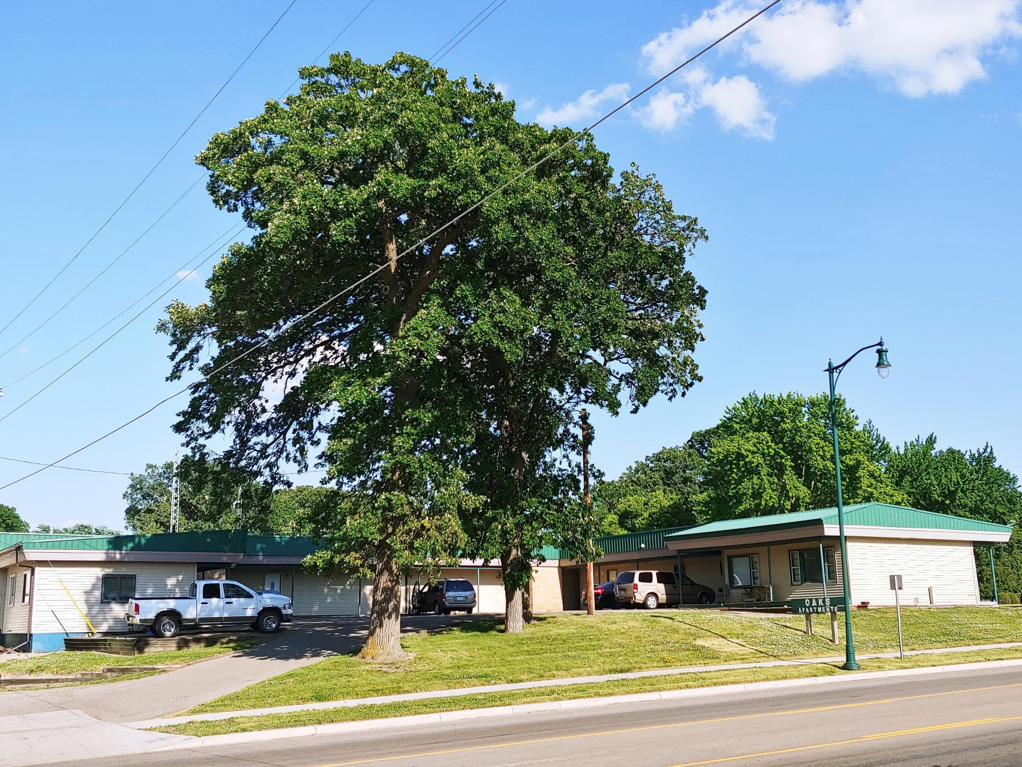 905 E 5th Street Property Photo - Blue Earth, MN real estate listing