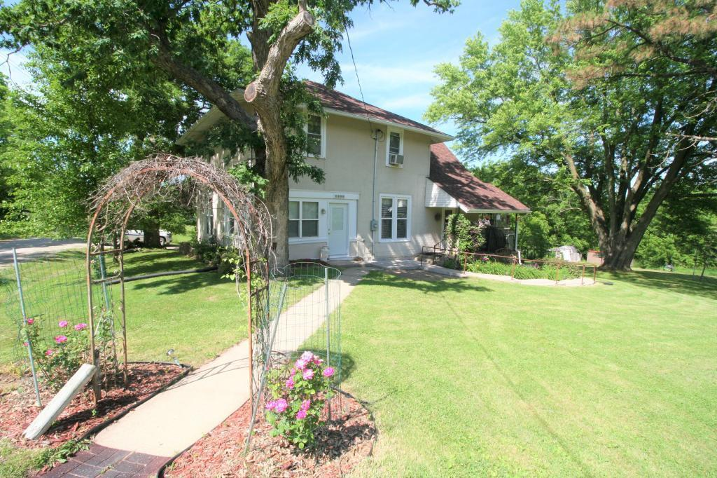 1401 Park Property Photo - Centerville, IA real estate listing
