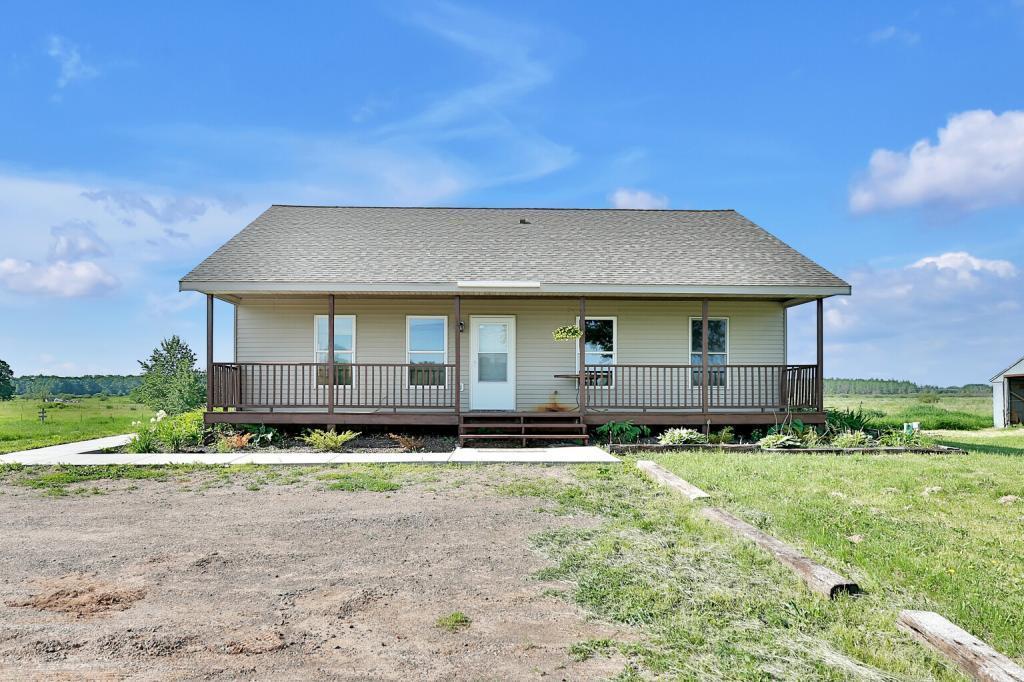 5370 Pokegama Lake Property Photo - Grasston, MN real estate listing