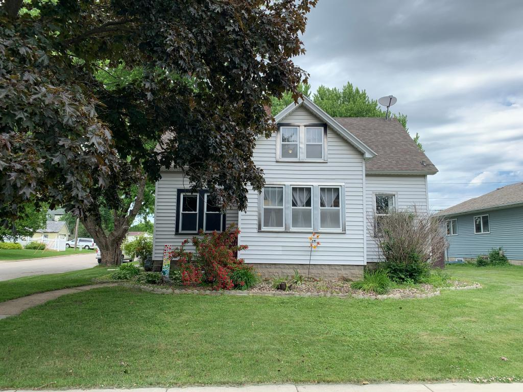 110 E Broadway Property Photo - Plainview, MN real estate listing