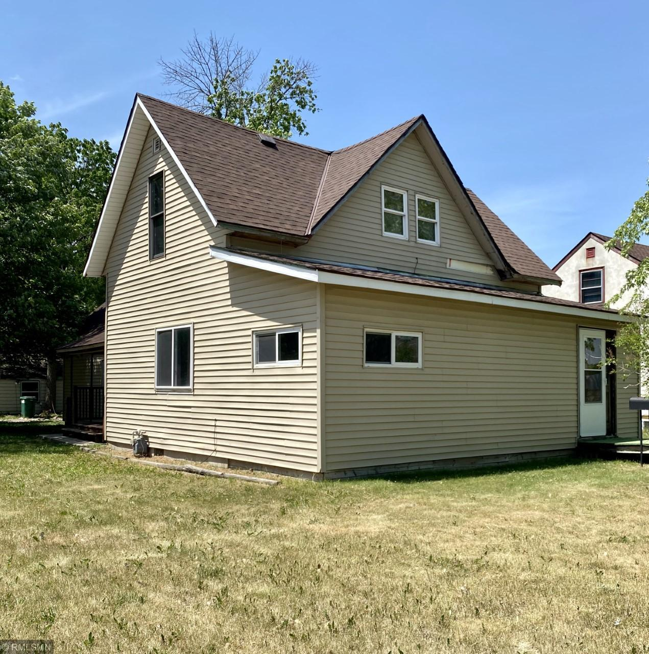 224 Holcombe Avenue S Property Photo