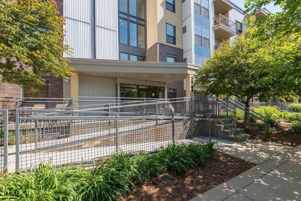 2565 Franklin Avenue #413 Property Photo - Saint Paul, MN real estate listing