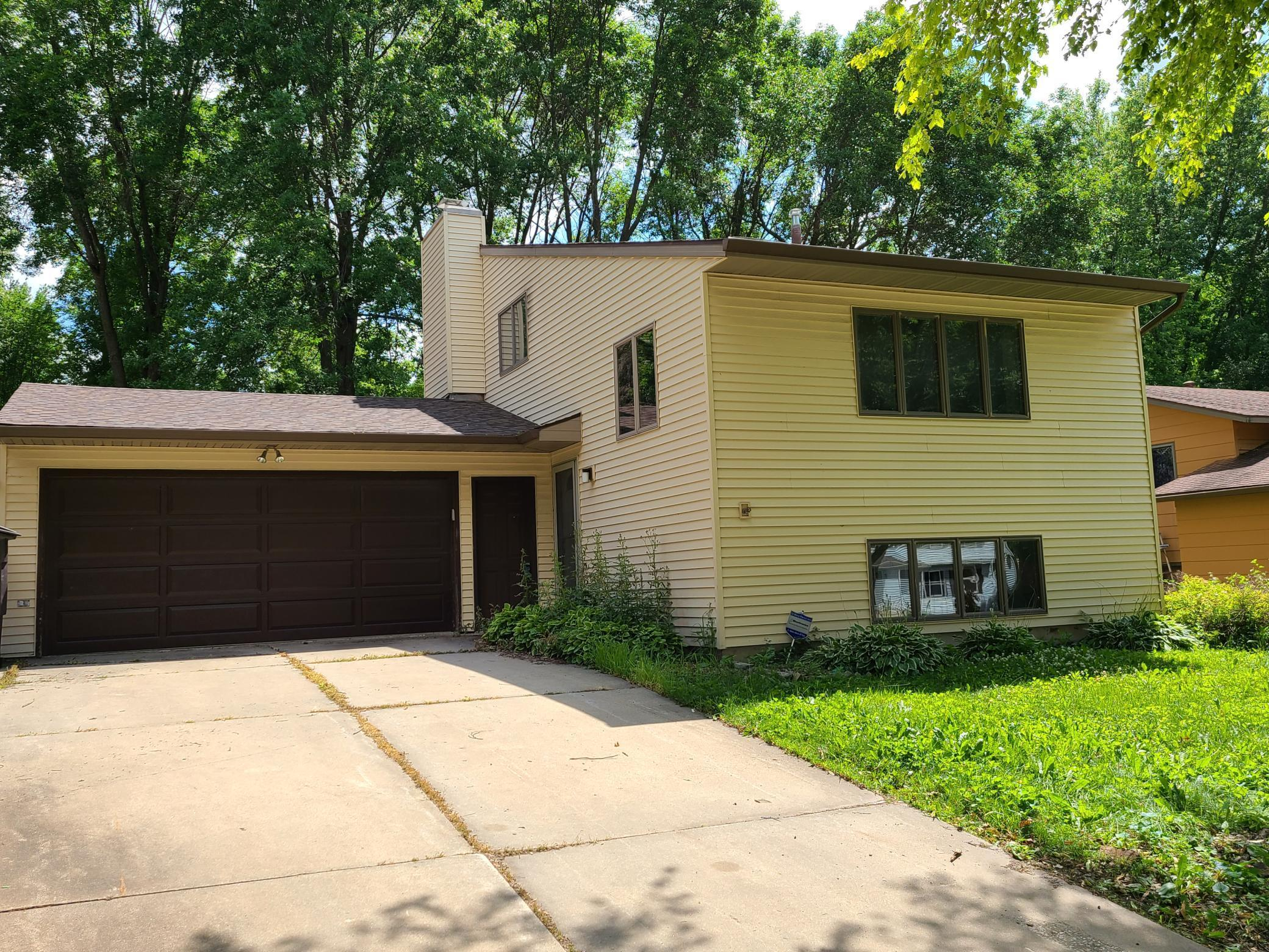 1214 32nd NW Property Photo - Rochester, MN real estate listing