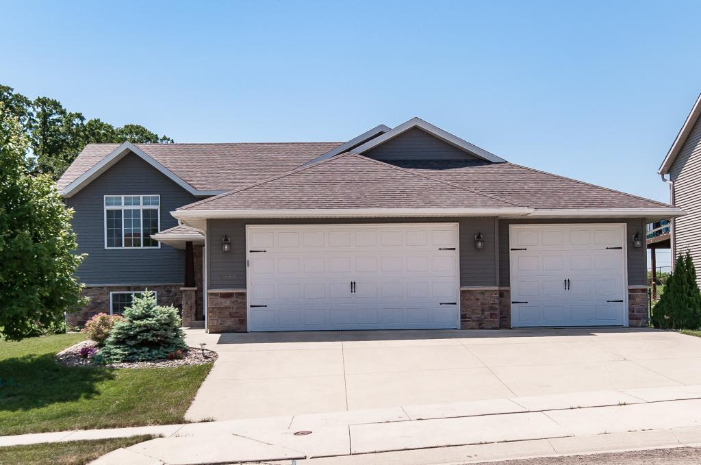 4408 35th NW Property Photo - Rochester, MN real estate listing