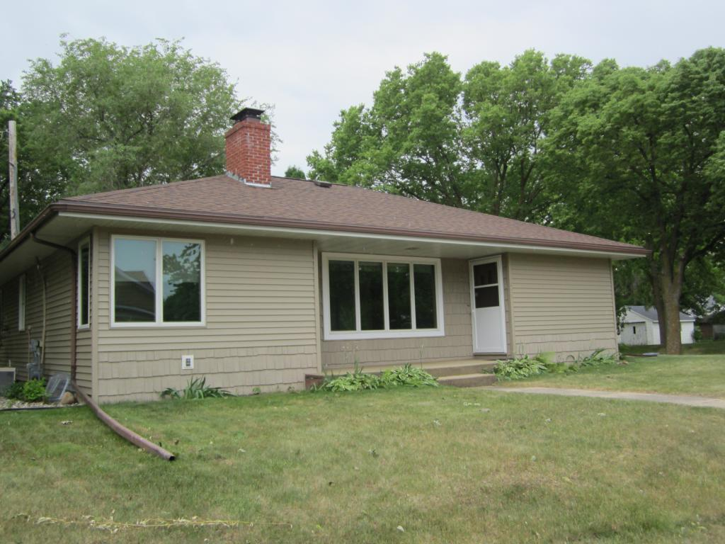621 10th Ave. Property Photo - Clarkfield, MN real estate listing