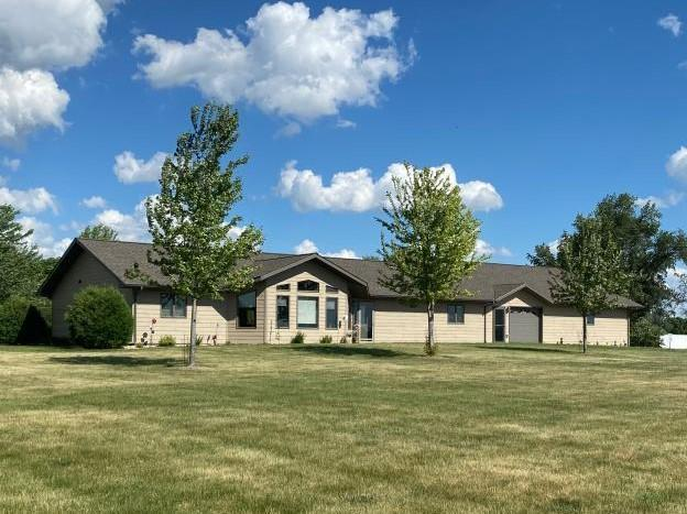 215 Bogie Dr Property Photo - Big Stone City, SD real estate listing