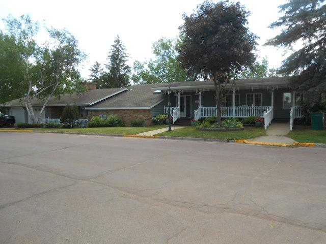800 5th Avenue Property Photo - Windom, MN real estate listing
