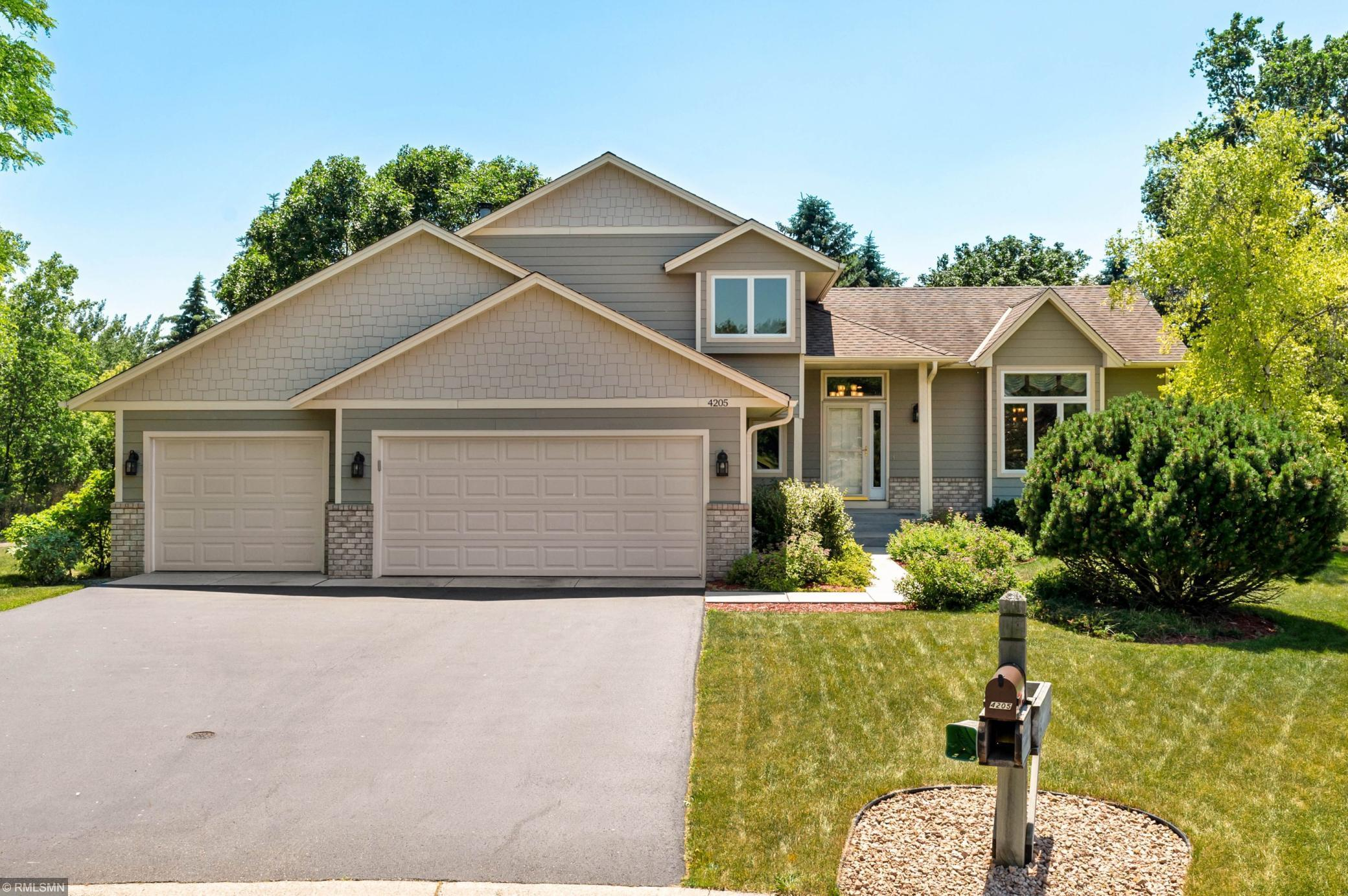 4205 Underwood Lane N Property Photo - Plymouth, MN real estate listing