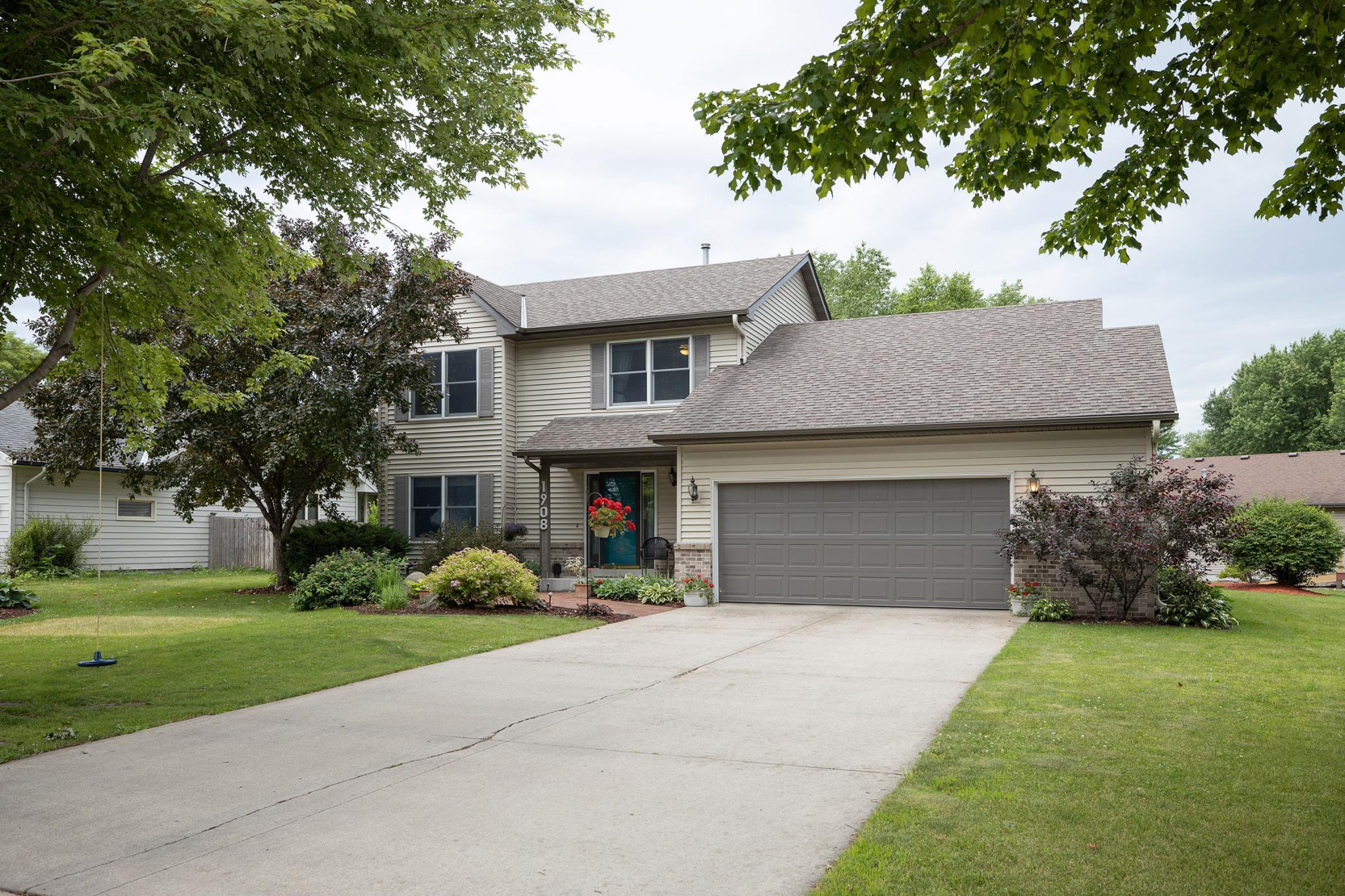1908 Sibley View Property Photo - Northfield, MN real estate listing