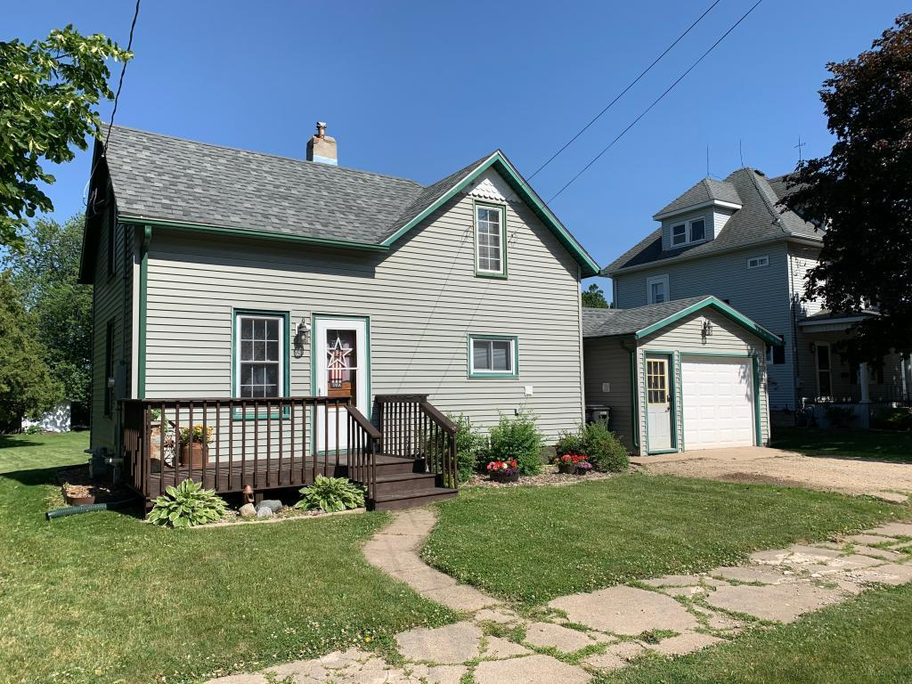 321 1st SE Property Photo - Hayfield, MN real estate listing