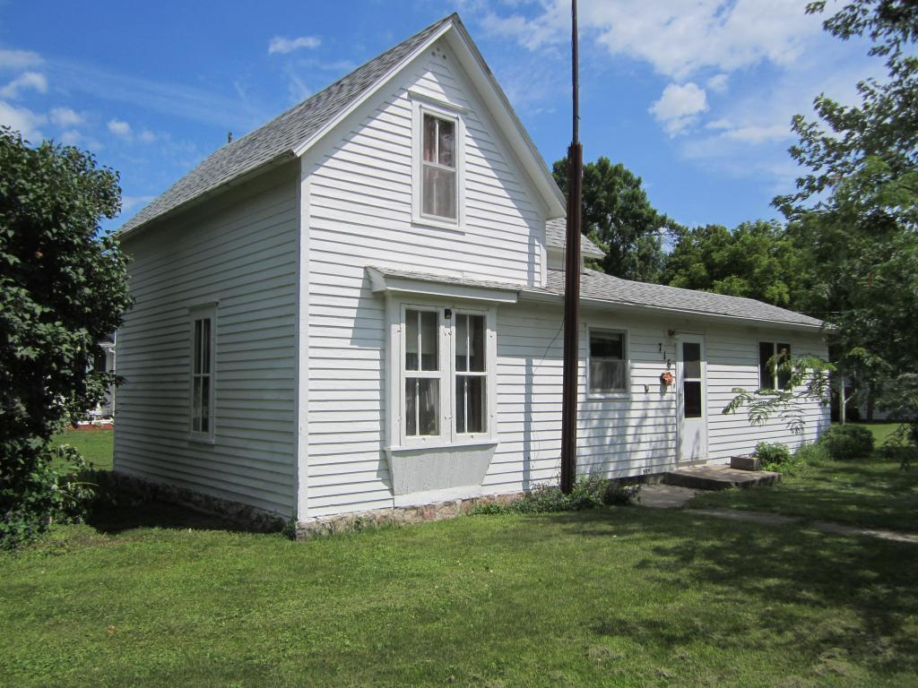 716 9th Property Photo - Clarkfield, MN real estate listing