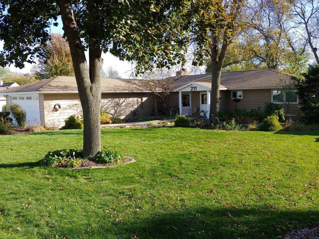 211 Ridge Road Property Photo - Albert Lea, MN real estate listing