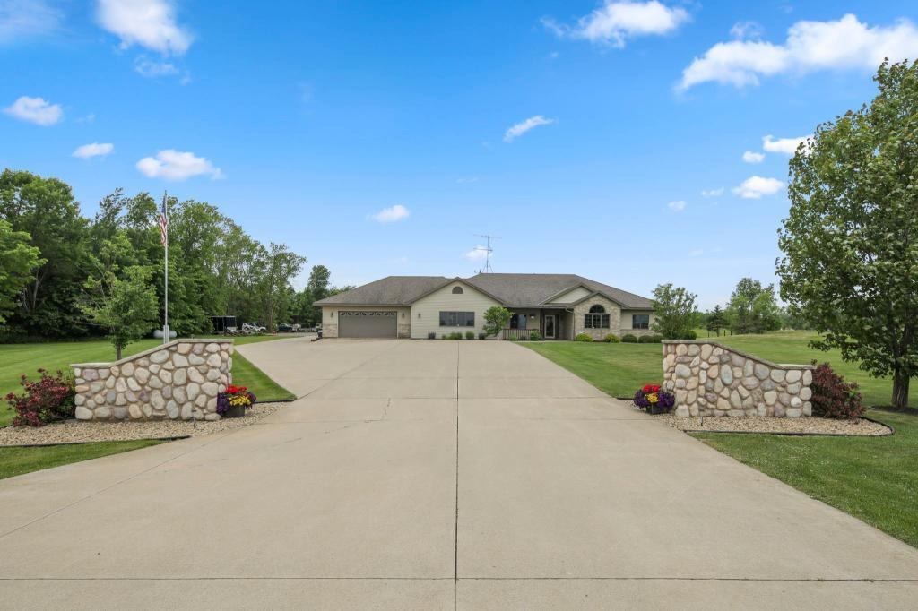 11112 60th NE Property Photo - Foley, MN real estate listing