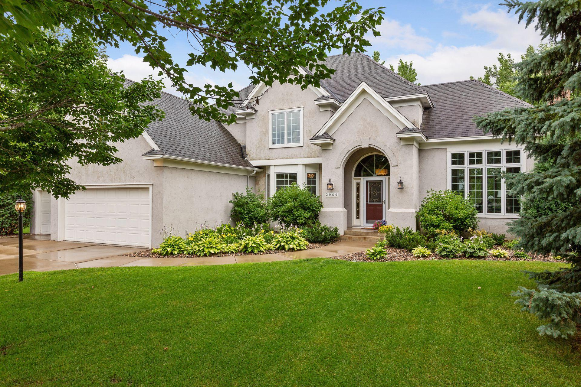 2909 Edgewater Cove Property Photo - Woodbury, MN real estate listing