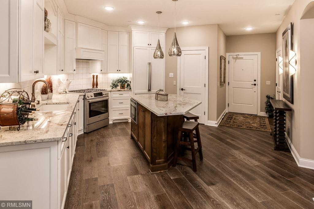 15420 Oakcroft Place ##121 Property Photo - Minnetonka, MN real estate listing