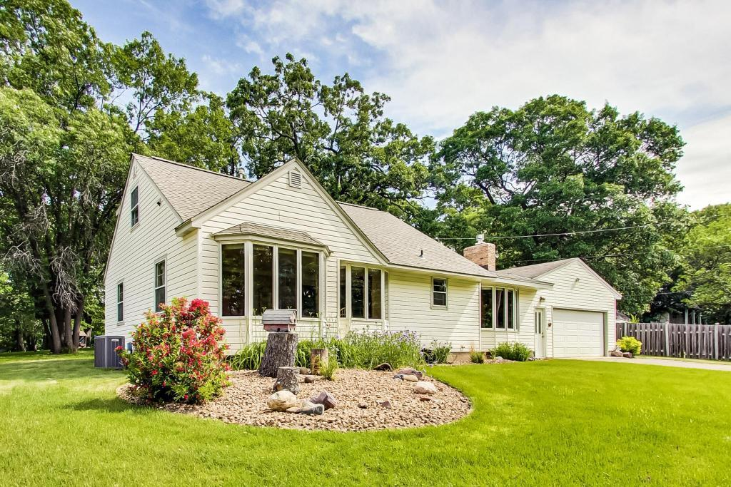 2833 Woodcrest Property Photo - Mounds View, MN real estate listing