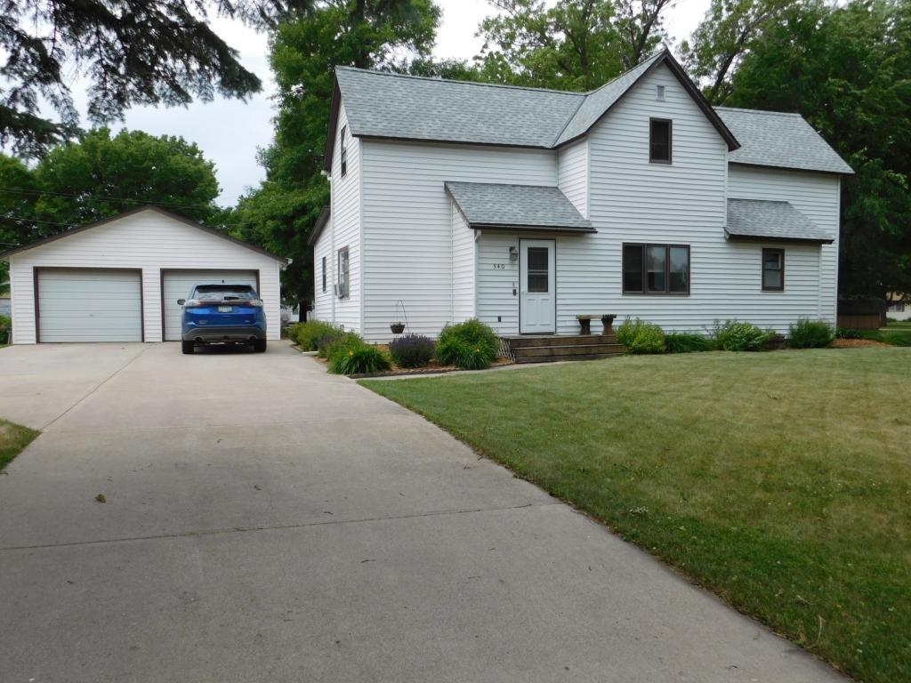 540 S 10th Street Property Photo - Bird Island, MN real estate listing