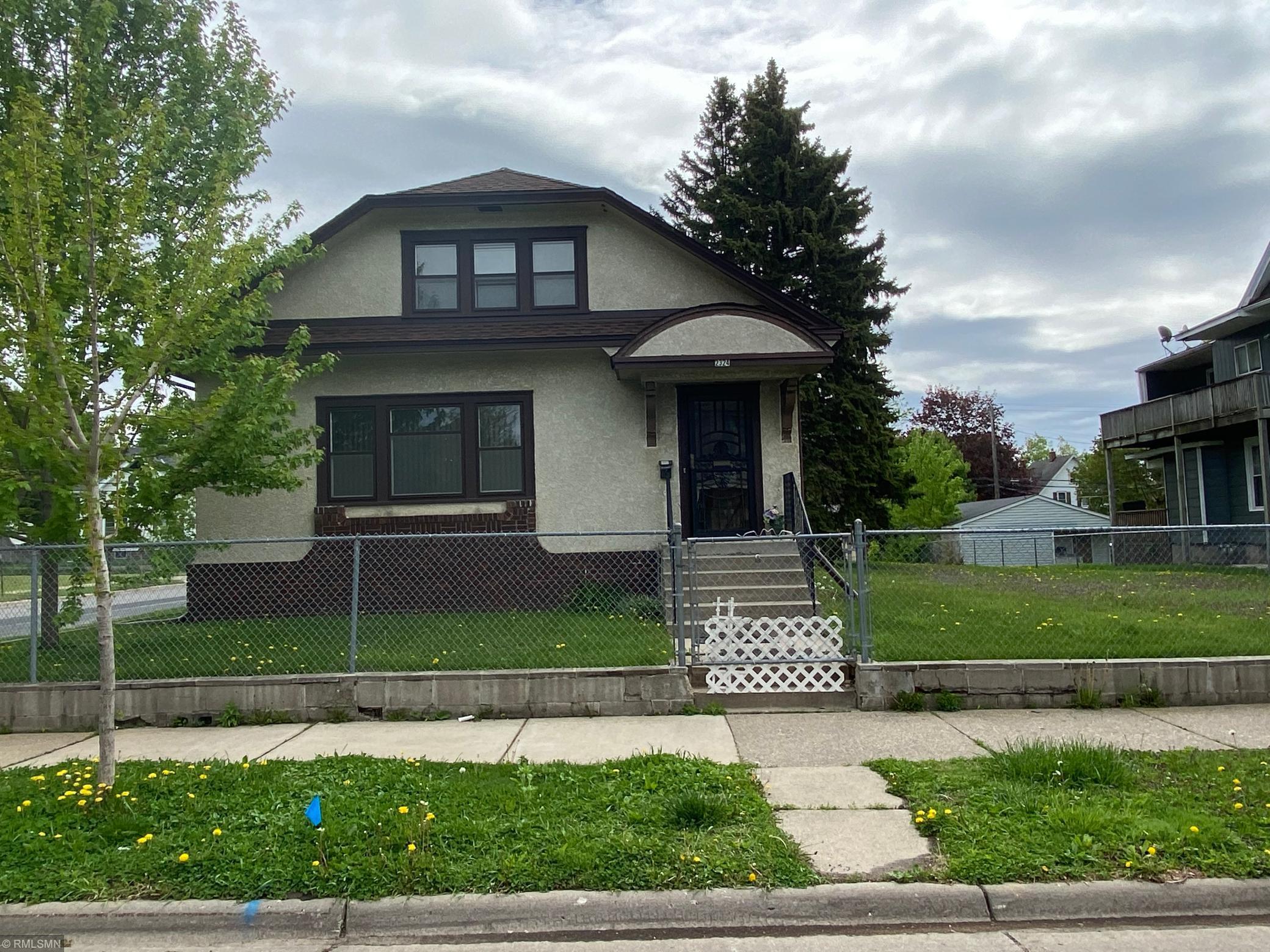 2324 Dupont N Property Photo - Minneapolis, MN real estate listing