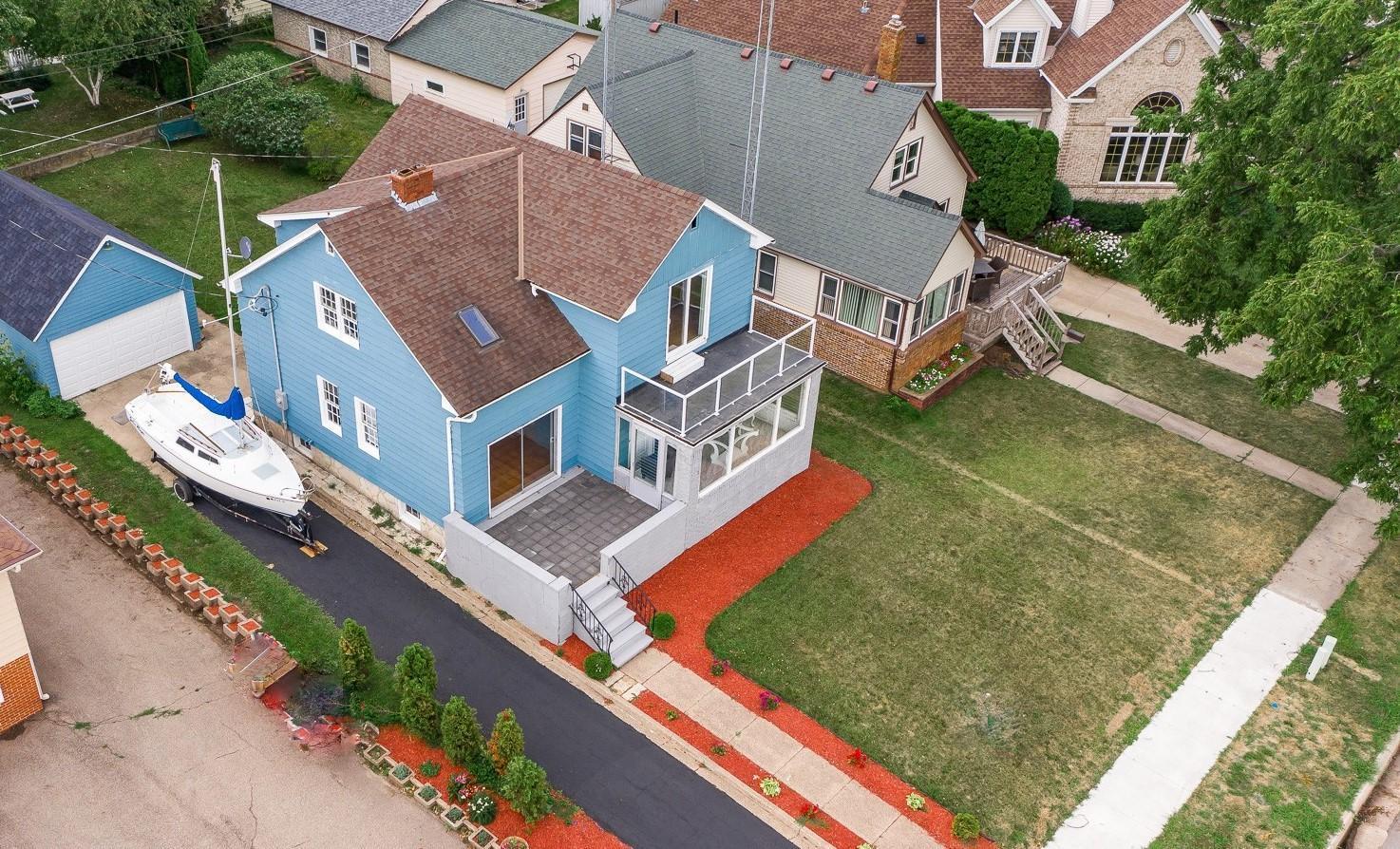 816 S Lakeshore Drive Property Photo - Lake City, MN real estate listing