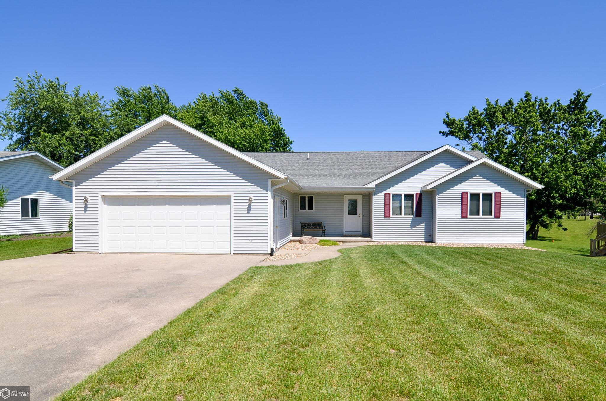 103 Meadow Lane Property Photo - Montezuma, IA real estate listing