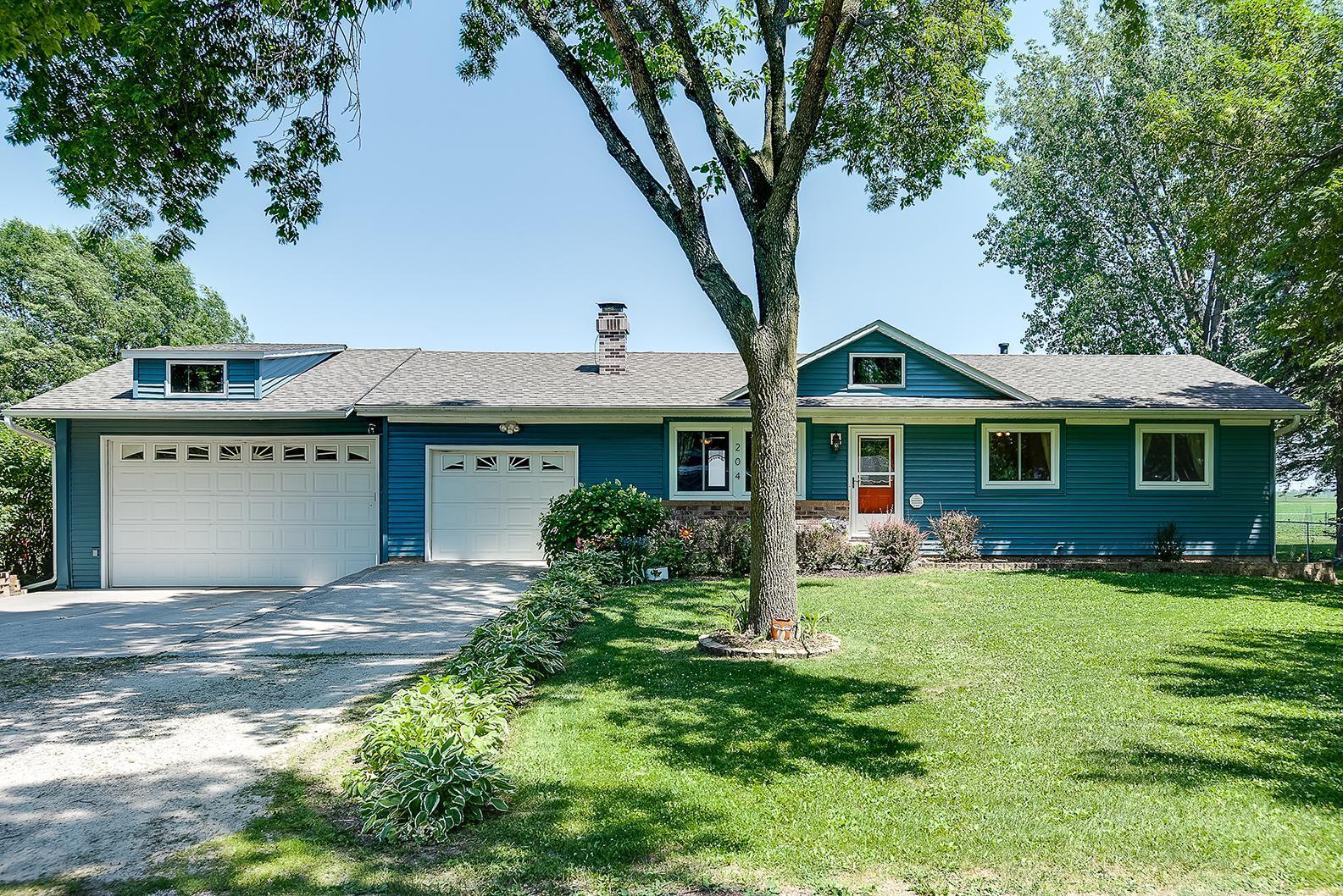 55085 Real Estate Listings Main Image