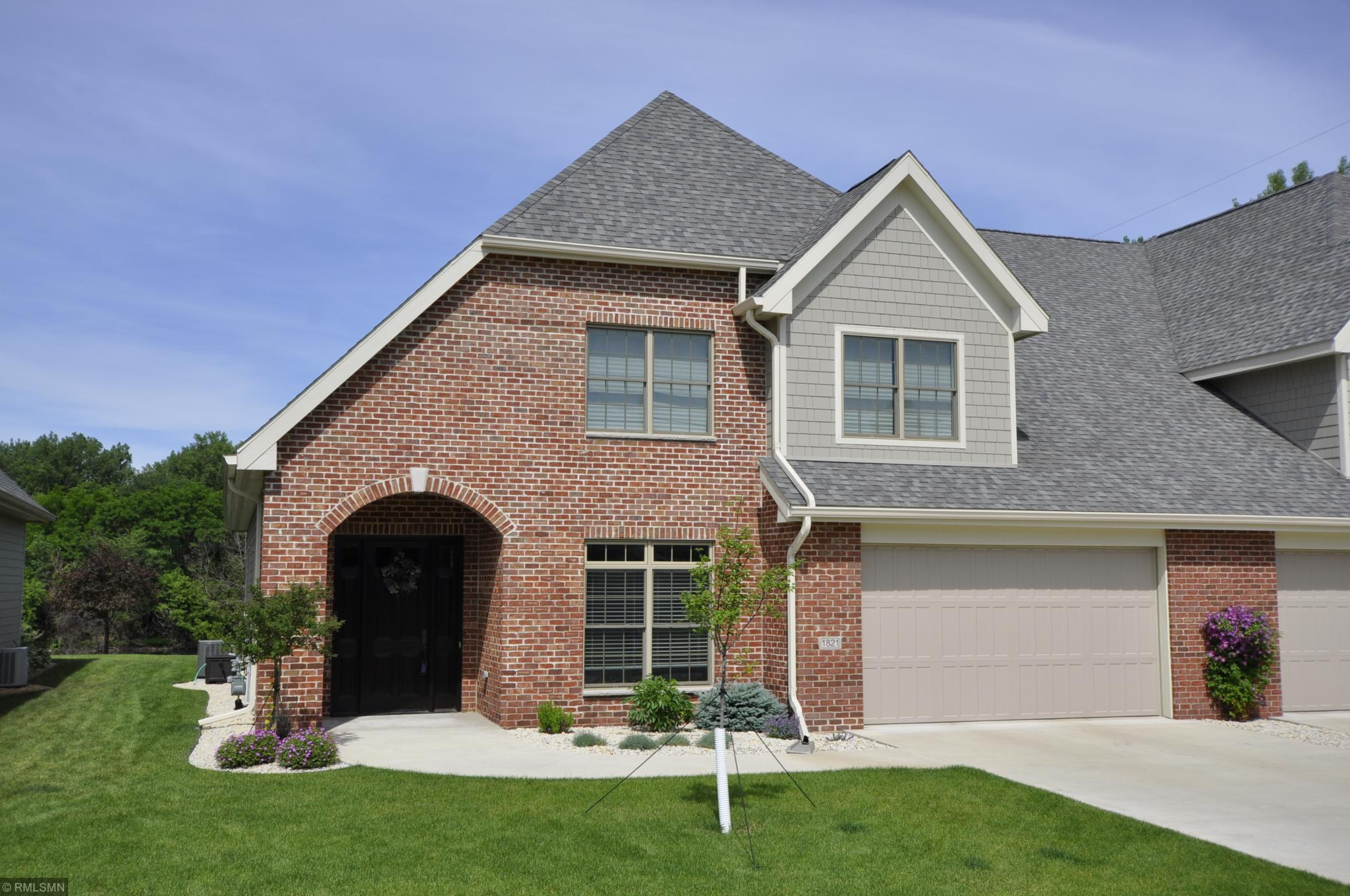 1821 Traders Point SW Property Photo - Rochester, MN real estate listing