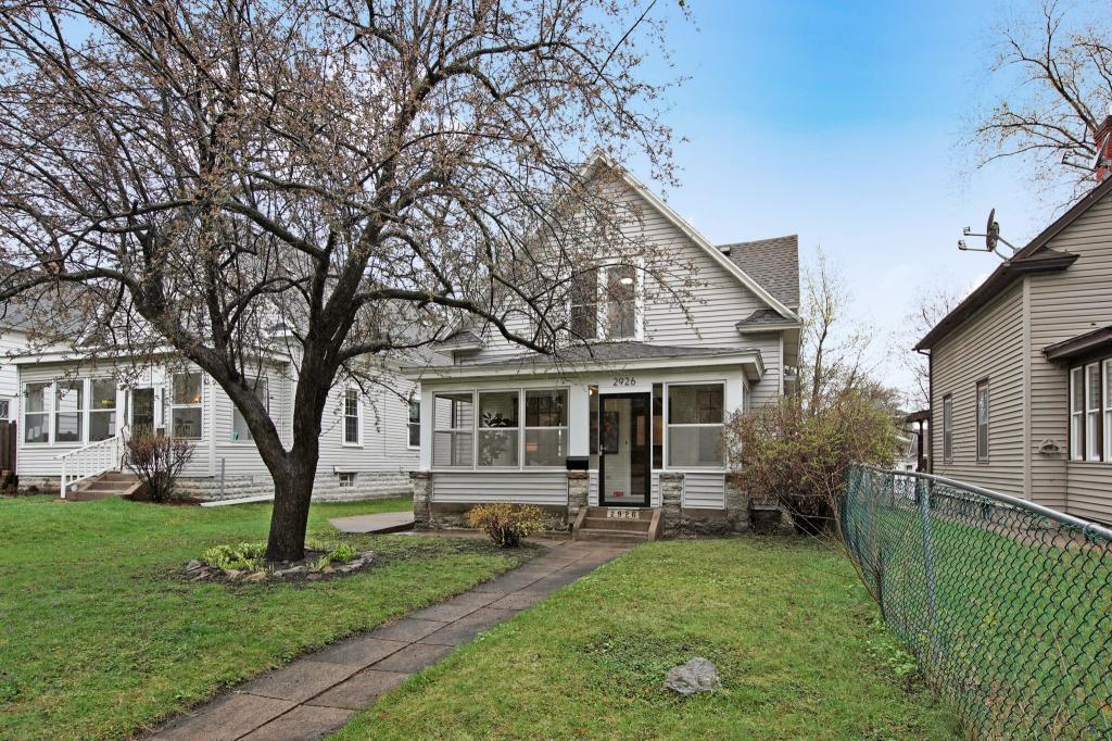 2926 Polk Ne Property Photo