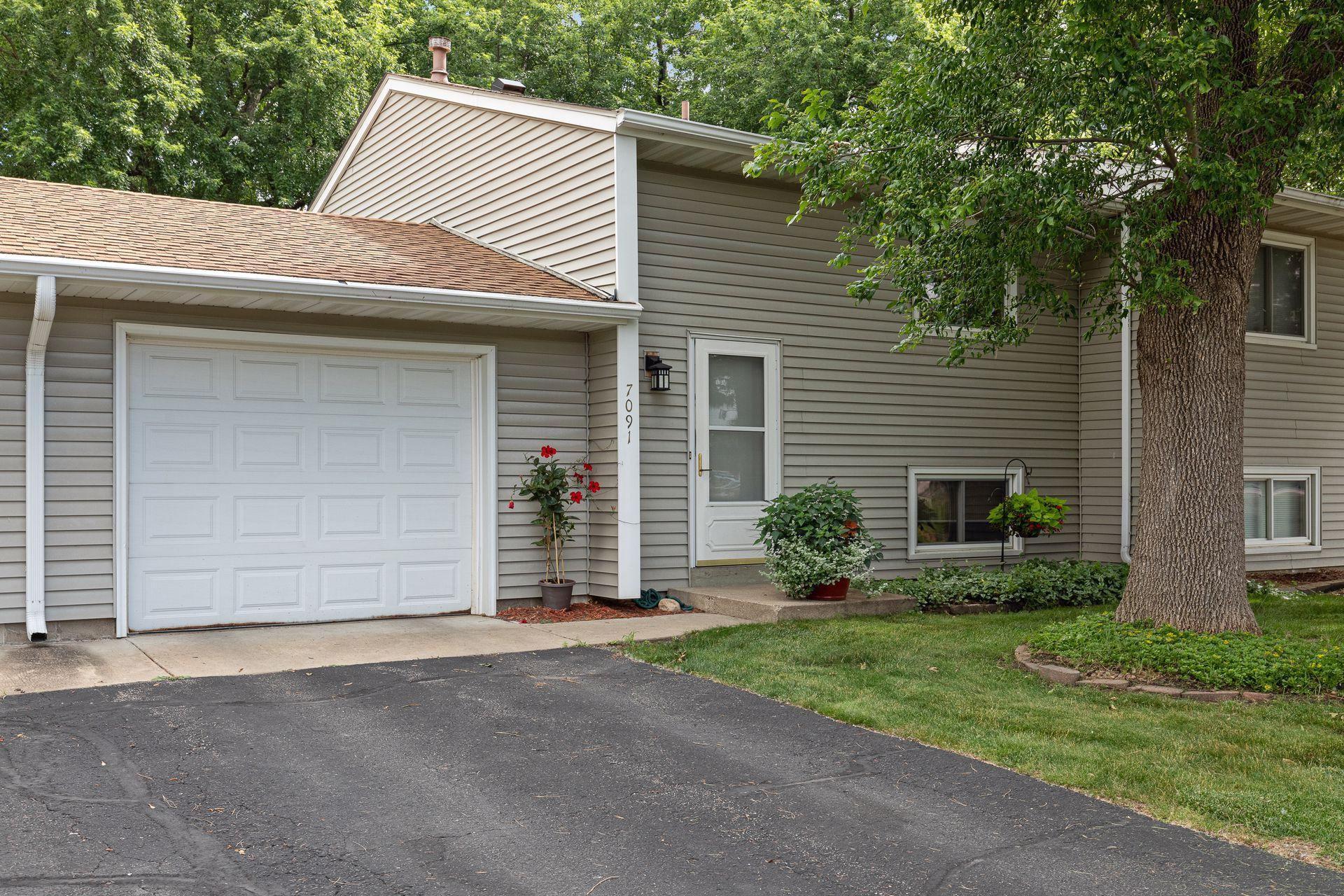 7091 146th W Property Photo - Apple Valley, MN real estate listing