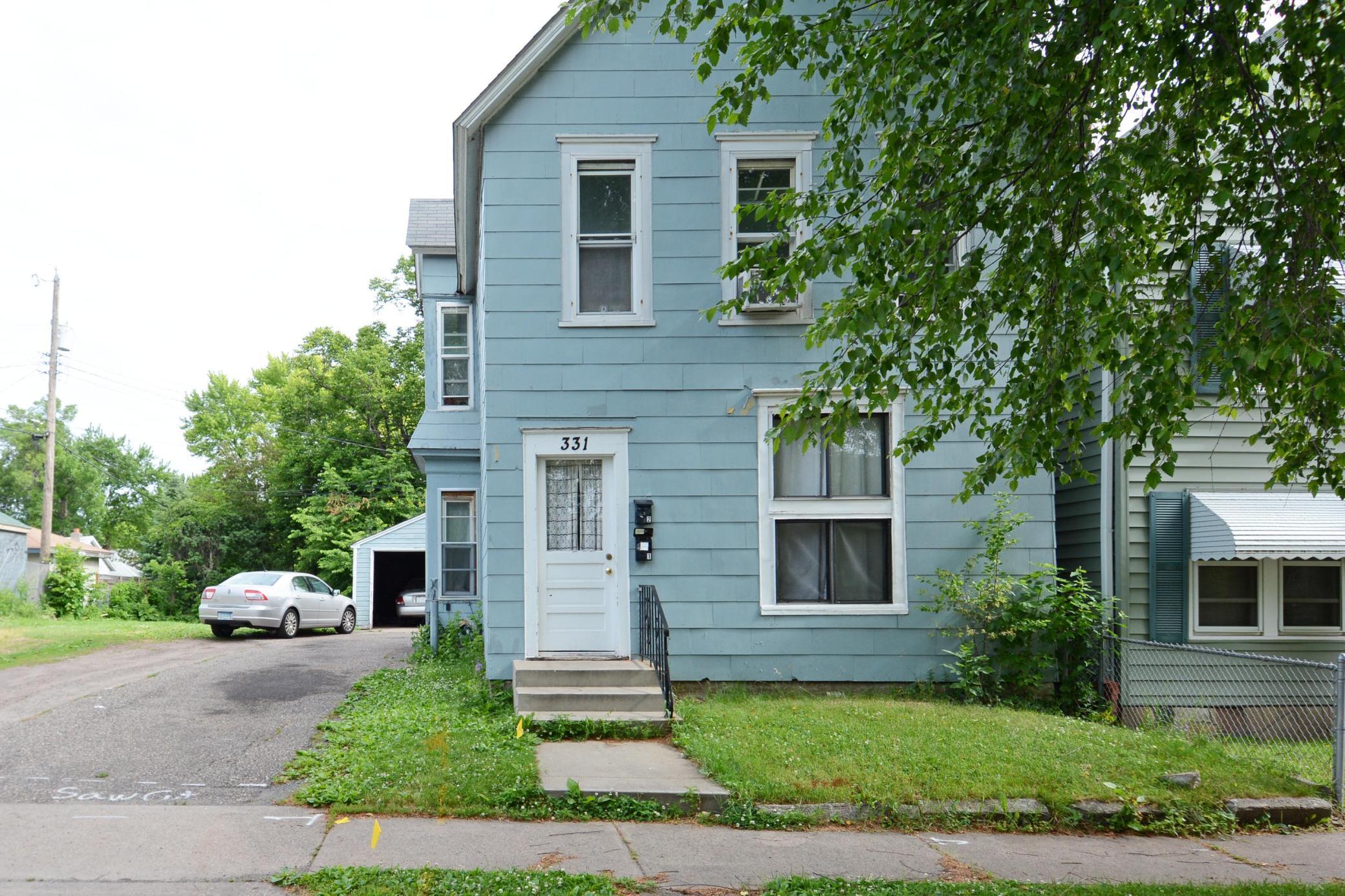 331 Lawson Avenue W Property Photo