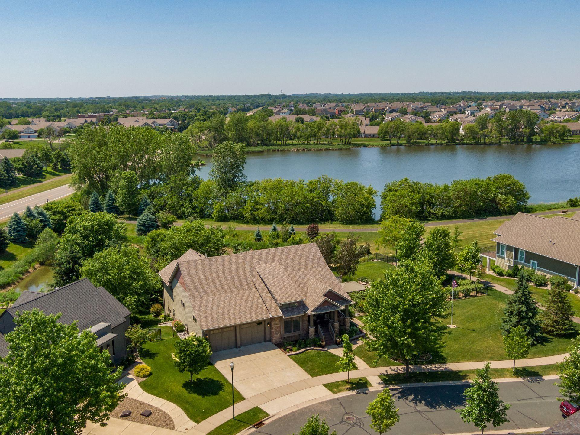 16867 Lake Property Photo