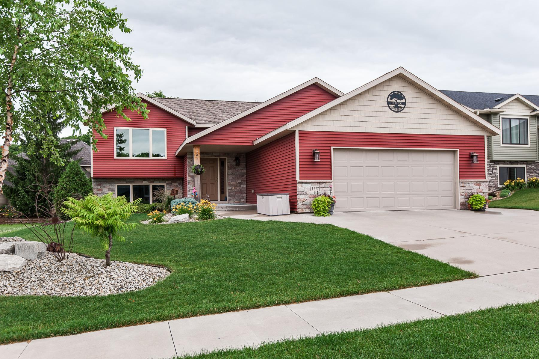 3537 Bridgeview SE Property Photo - Rochester, MN real estate listing