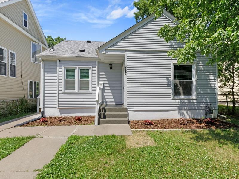 2801 Girard N Property Photo - Minneapolis, MN real estate listing