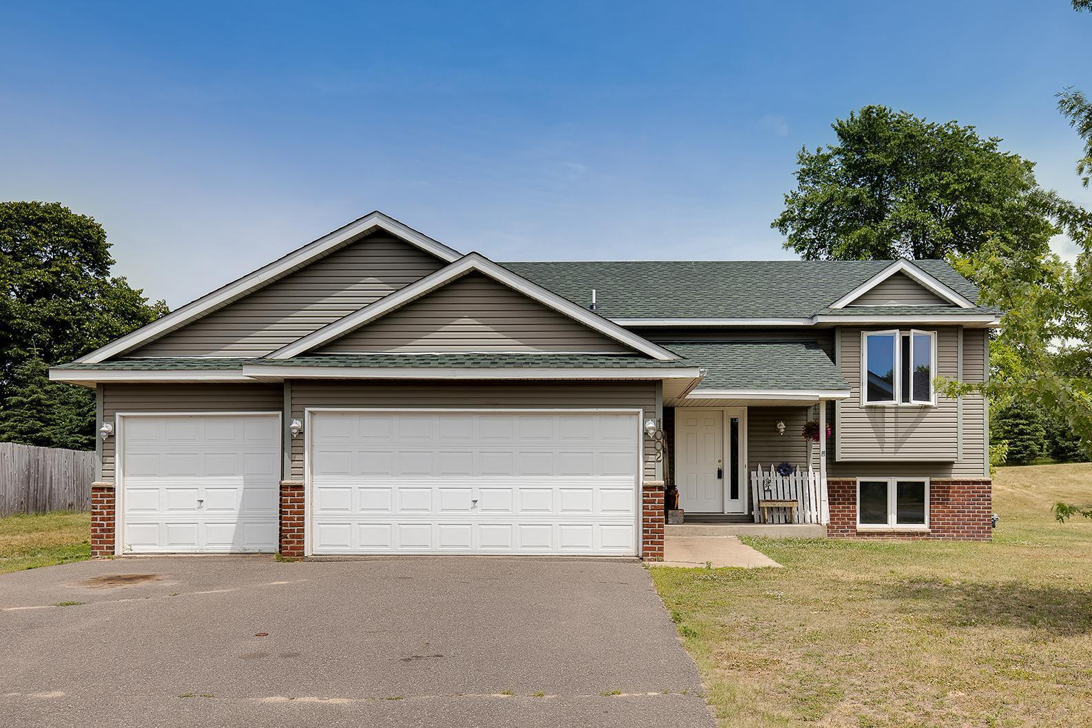 1002 Hilltop Property Photo - Braham, MN real estate listing