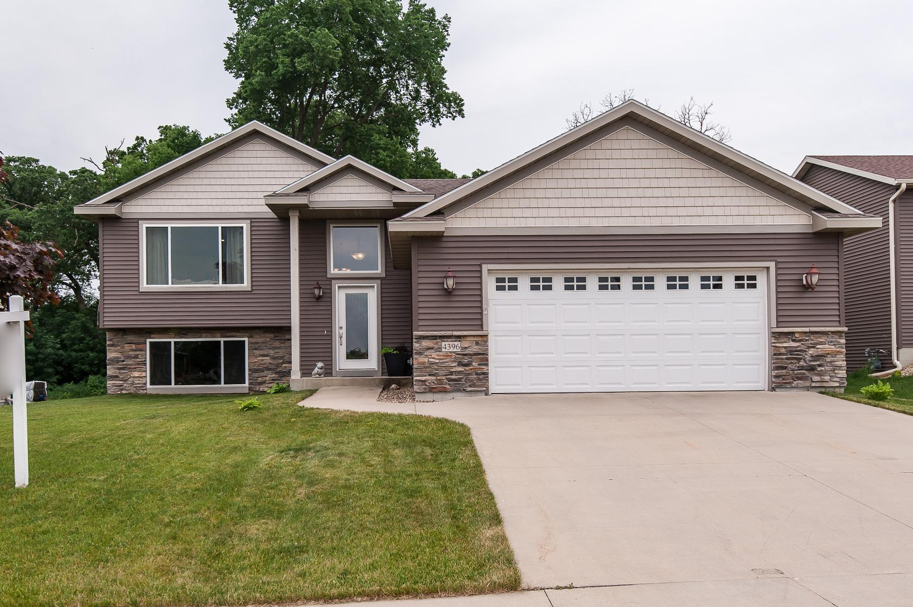 4396 35th NW Property Photo - Rochester, MN real estate listing